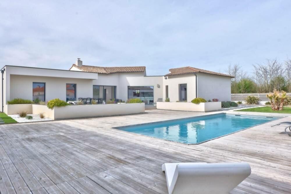 maison a vendre au portugal entre particulier avie home. Black Bedroom Furniture Sets. Home Design Ideas